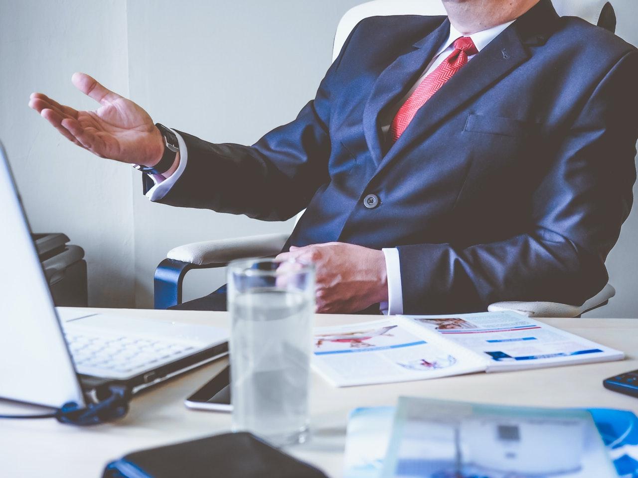 Evite 4 erros de marketing digital que os advogados cometem (Foto de energepic.com no Pexels)